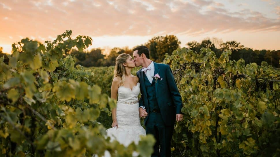 vineyard-wedding-venue-kiss